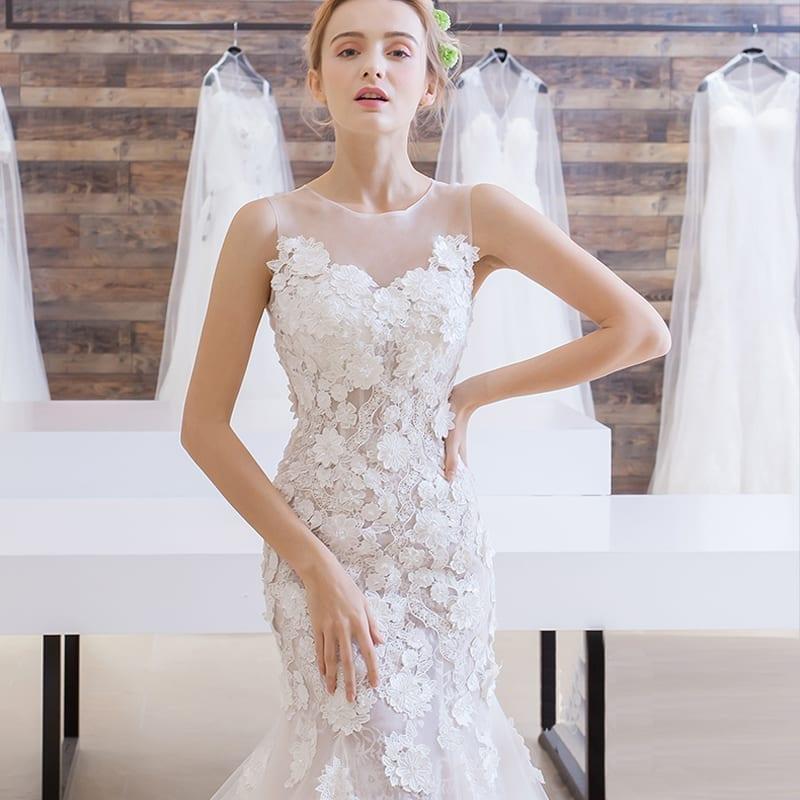 Elegant Mermaid Backless Lace Applique Wedding Dress