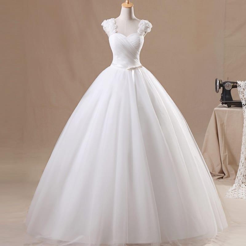 Elegant White Princess V-neck Flower Wedding Dress