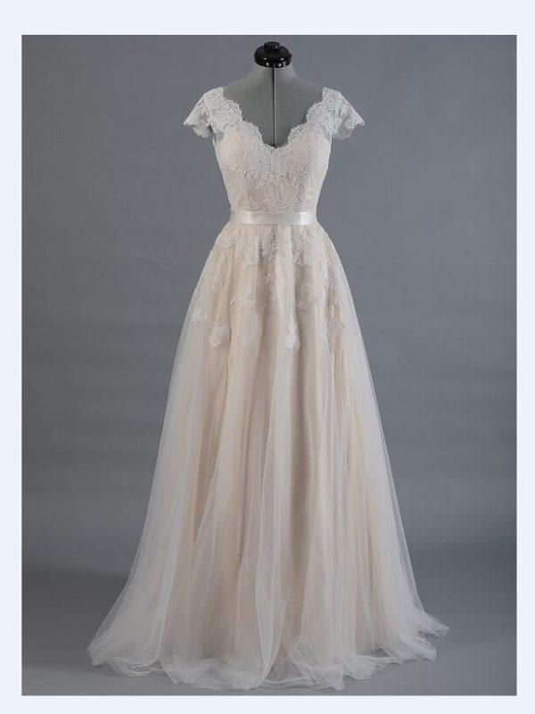 A-line Cap Sleeve V-back Lace Tulle Wedding Dress