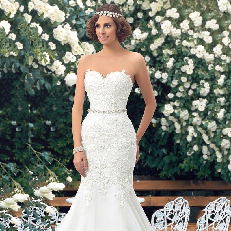 Sweetheart Lace Up Back Applique Long Lace Mermaid Wedding Dress