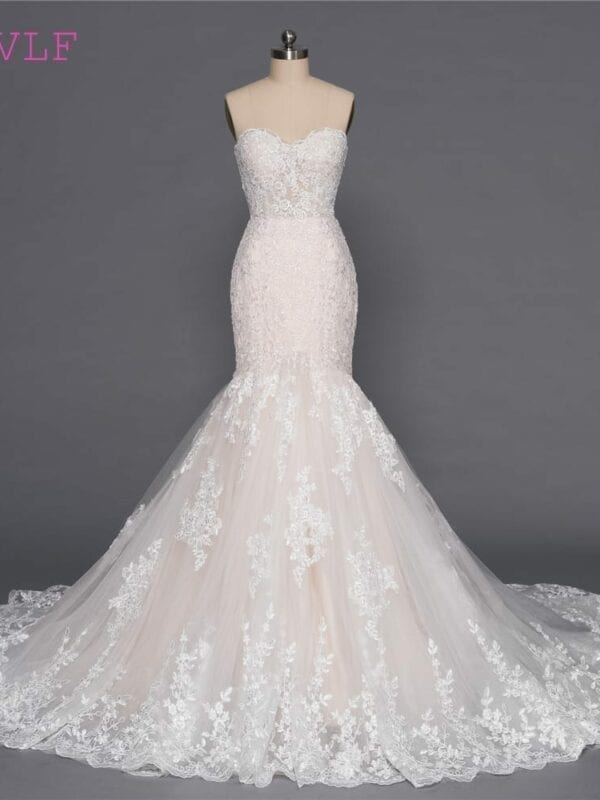 Champagne Mermaid Sweetheart Appliques Lace Wedding Dress