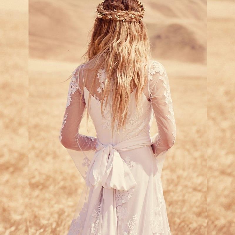 Long Sleeve Lace Appliques Vintage Bohemian Wedding Dress