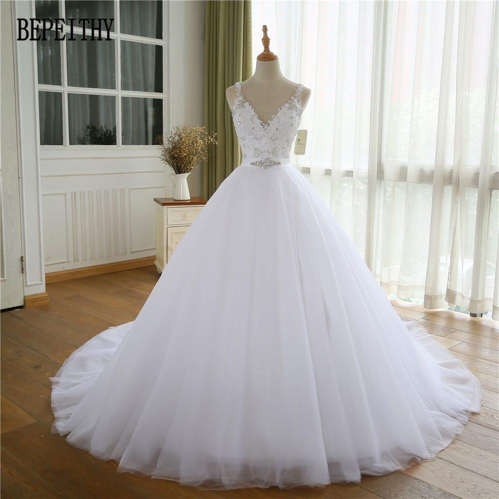 A-line Cap Sleeve Organza Lace Appliques Beads Wedding Dress