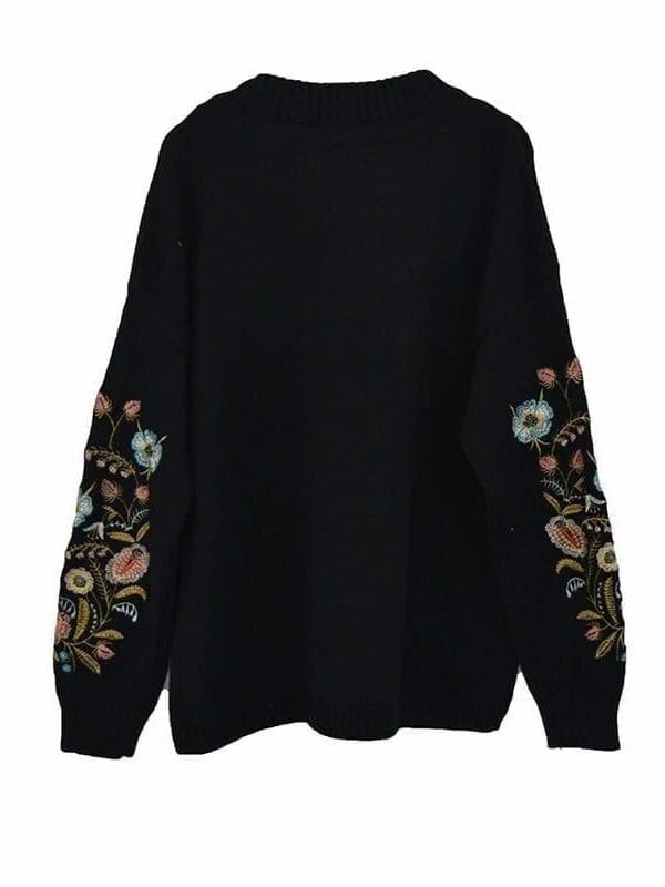 Round Collar Flowers Embroidery Long Sleeve Sweater