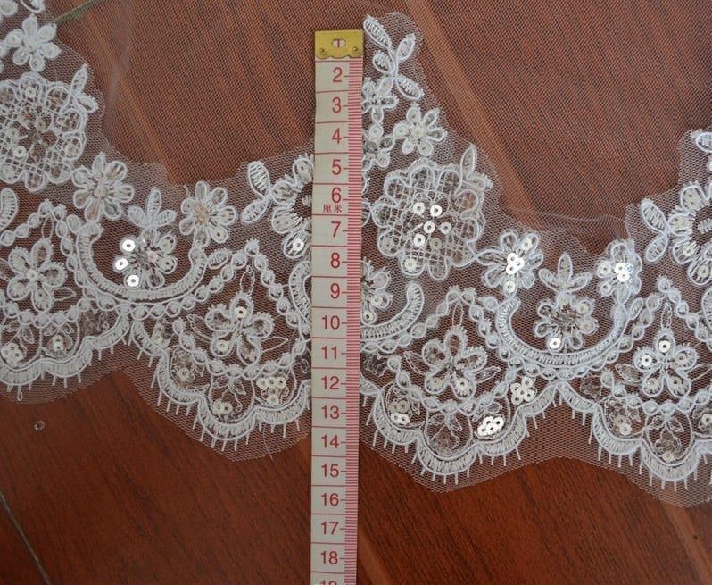 3m(total Length) Two Layers Elegant Long Wedding Lace Veil With Comb
