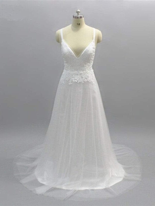 Elegant Backless A Line Lace Tulle Beach Wedding Dress