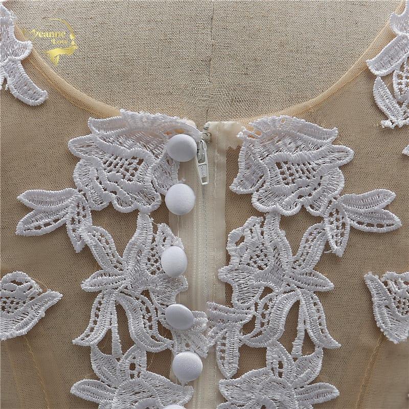 Sleeveless O-neck White Lace Beach Wedding Dress