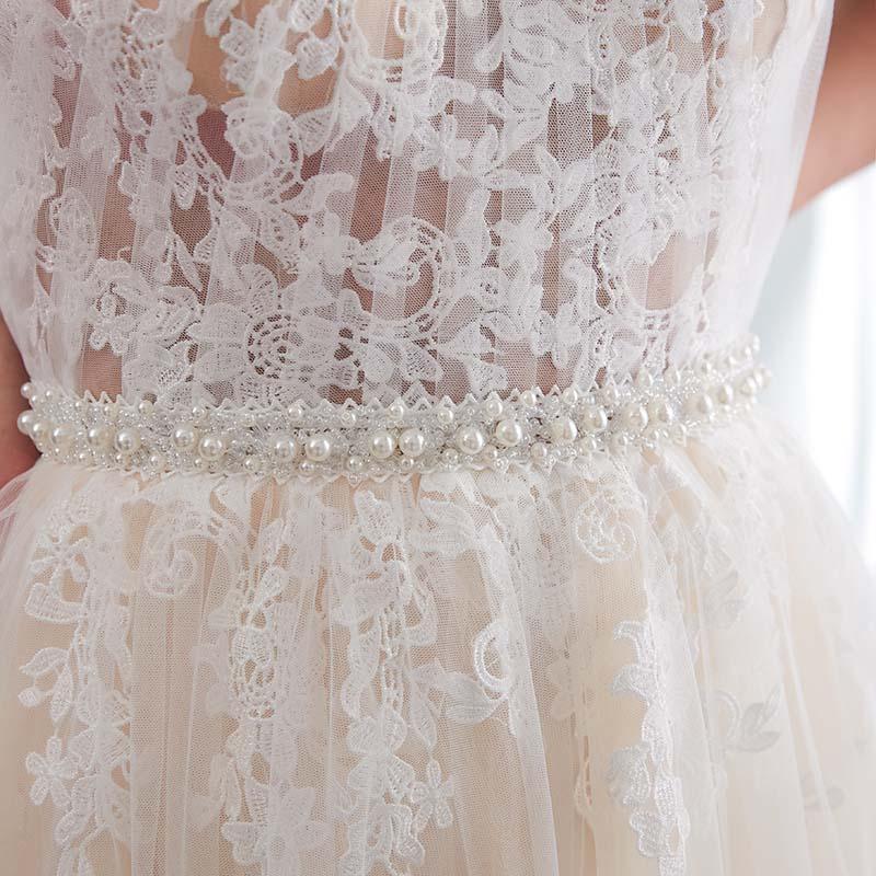 Hater Neck Light Perals Sleeveless Tulle Beach Wedding Dress