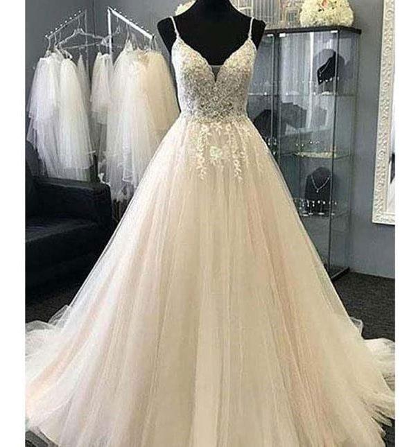 Spaghetti Straps Appliques Tulle A-line Long Beach Wedding Dress