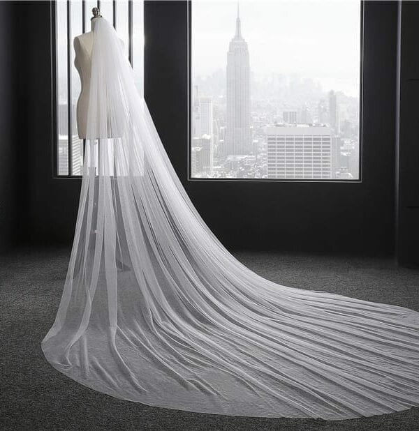 Elegant 3 Meters Long One-layer Bridal Veil With Comb Wedding Accessories