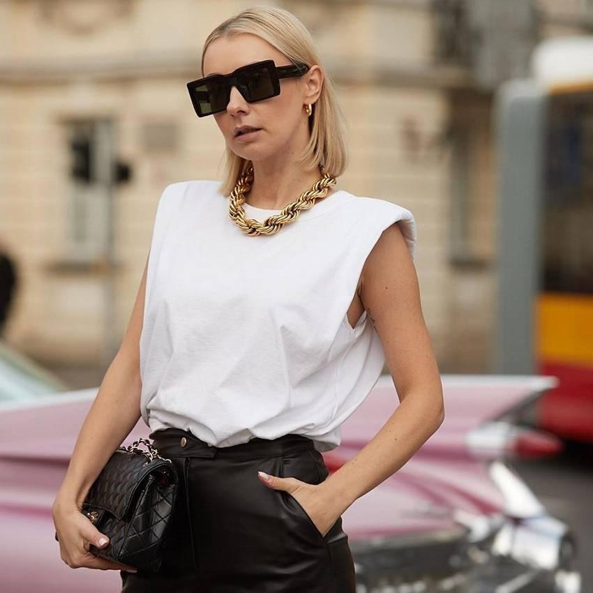 Sleeveless o neck white loose blouse shirt