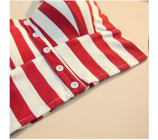 Halter sleeveless low chest button crop top