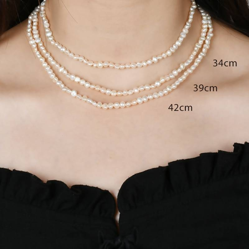 Baroque pearl choker necklace