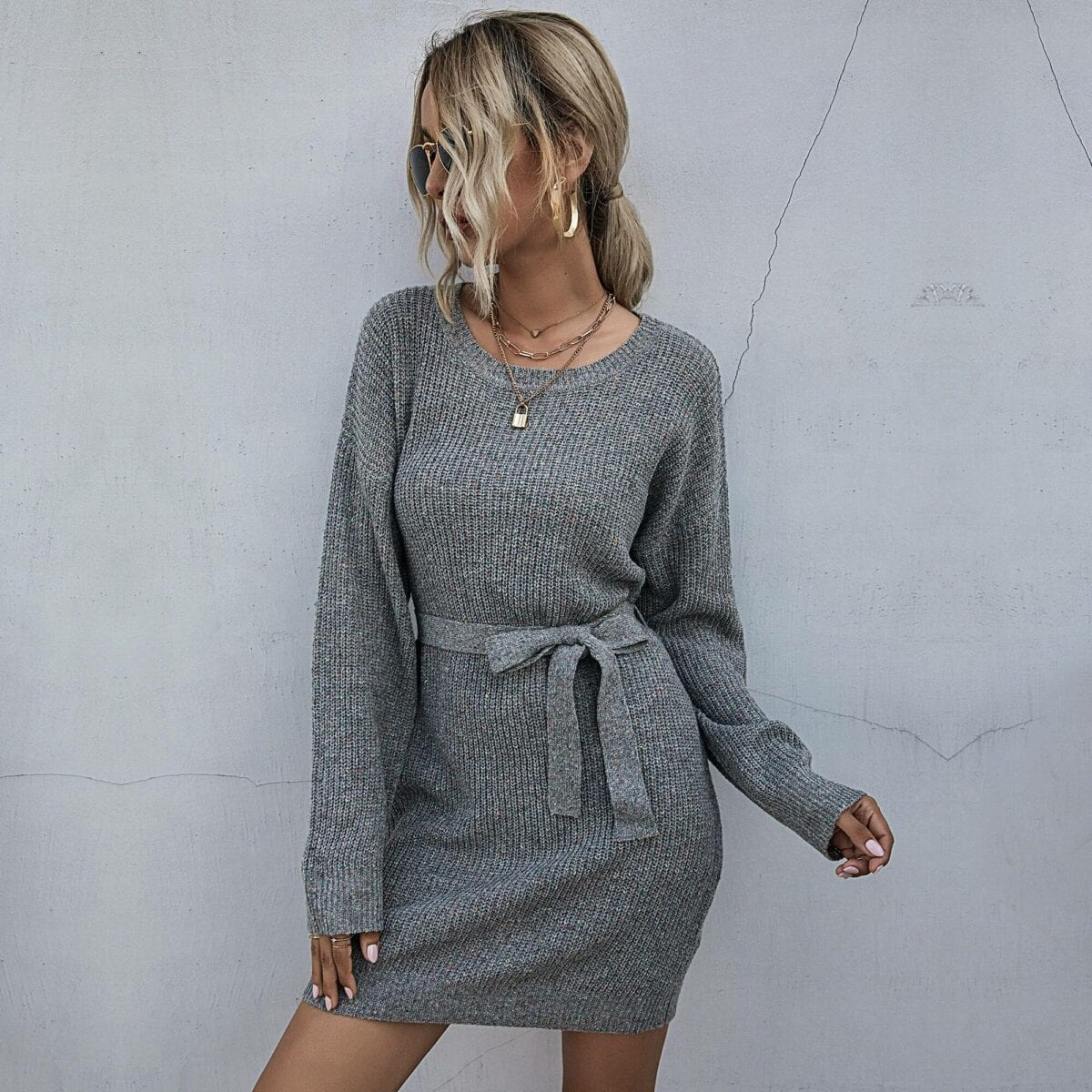 Gray o-neck ribbed long sleeve with belt loose sweater dress
