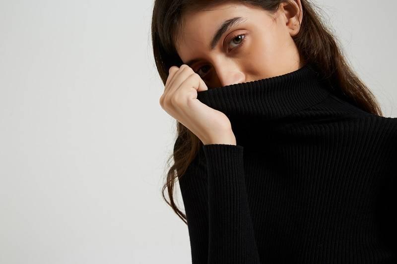 Turtleneck knee-length long sleeve knit sweater midi dress