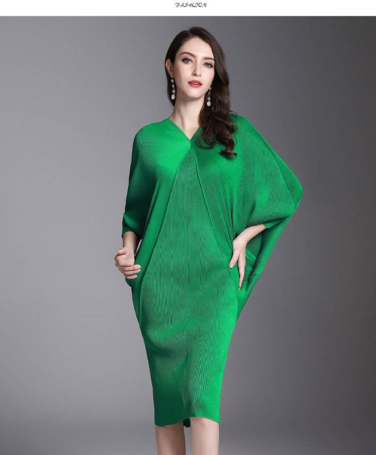 V collar bawting sleeve pleated loose dress