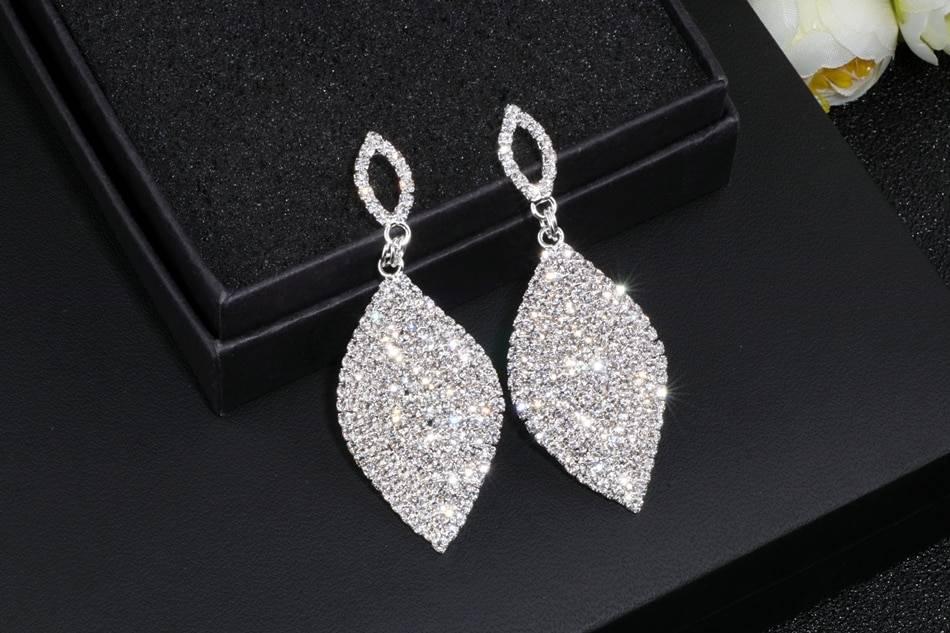 Teardrop shape crystal earrings wedding jewelry
