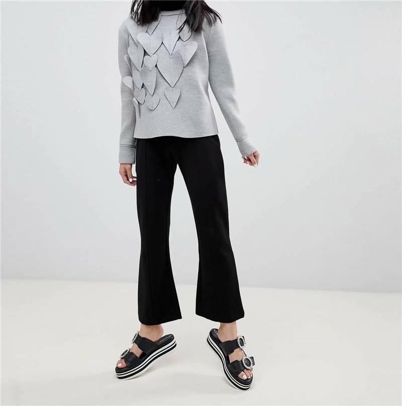 Gray heart deisgn long sleeve cotton sweatshirt