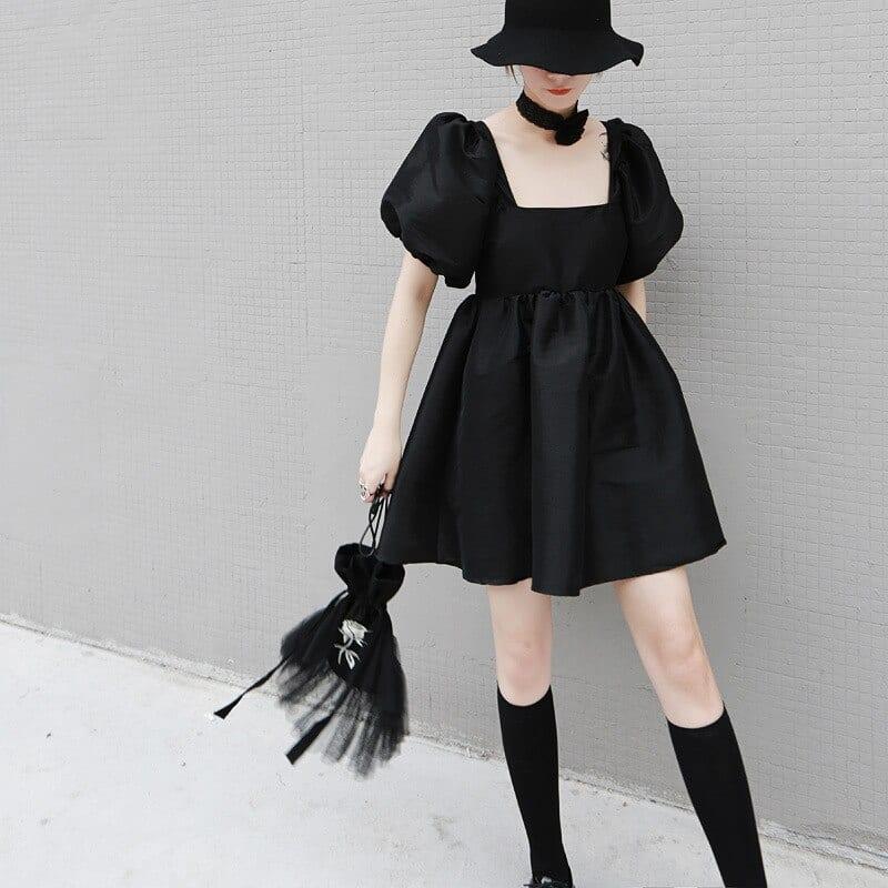 Square collar short sleeve loose black dress