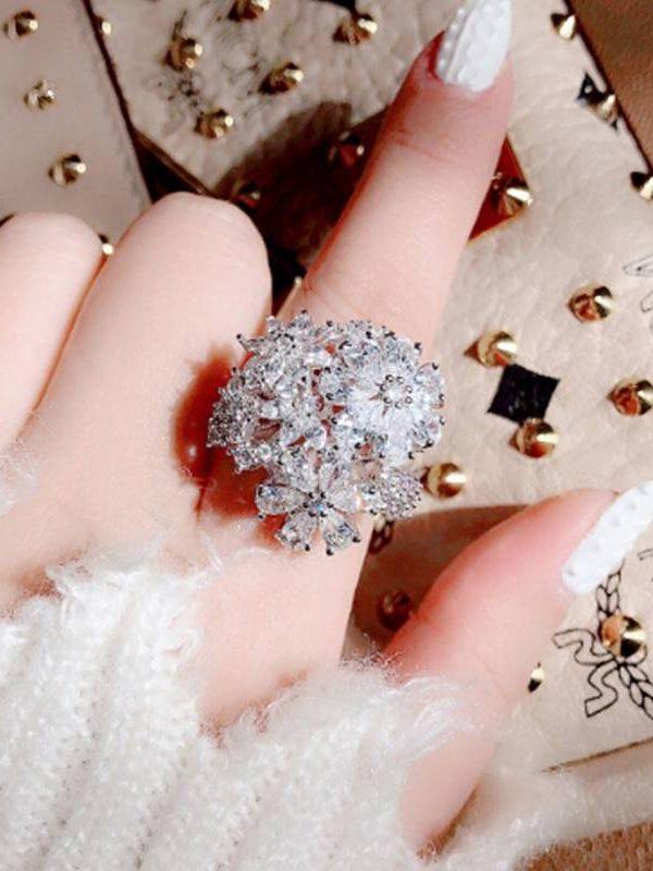 Cubic zirconia elegant bowknot ring
