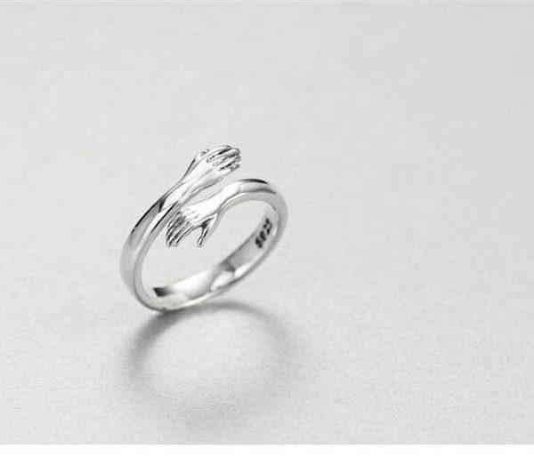 Silver love hug ring
