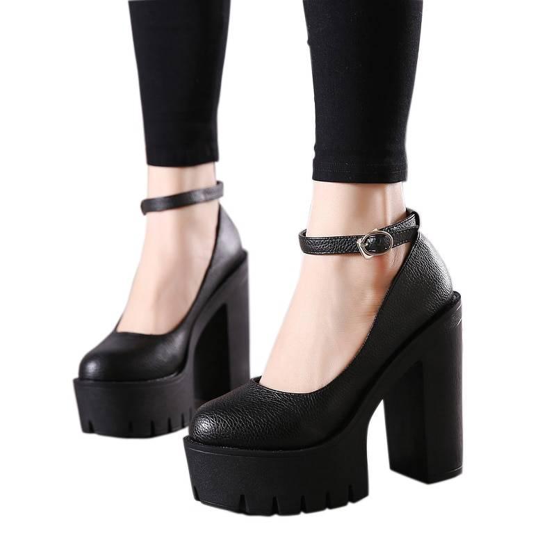 Black white thick heels platform pumps