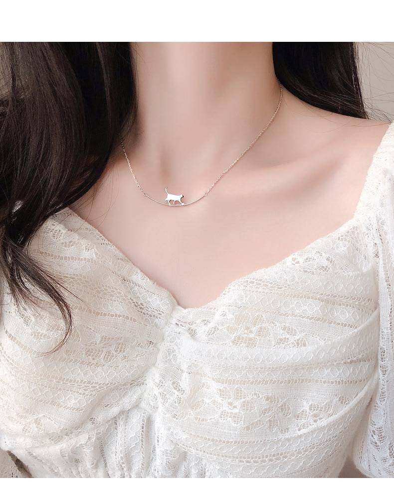 Silver cute walking cat clavicle chain necklace